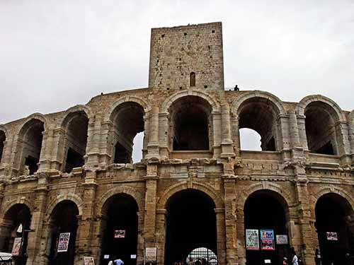 El-anfiteatro-romano-de-Arles