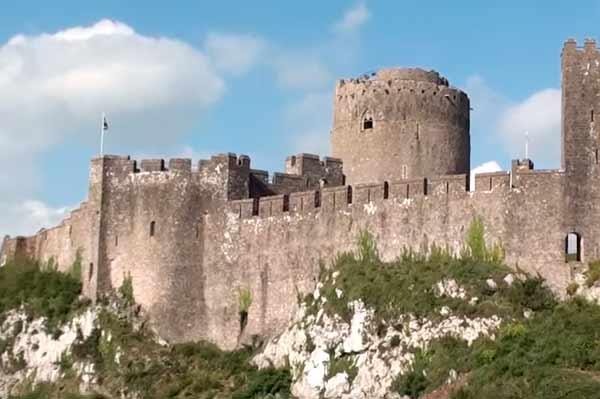 castillo-Pembroke