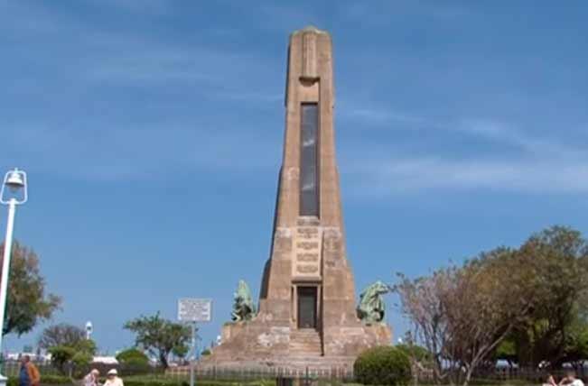 monumento-evaristo